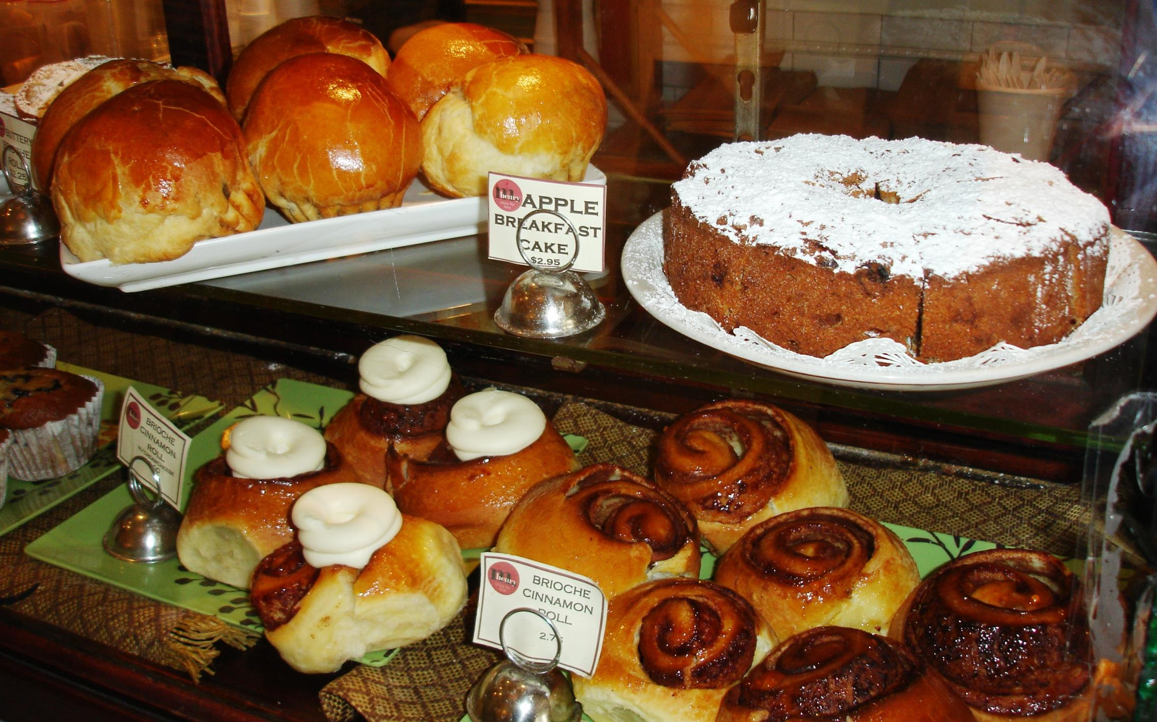 You pass through the bakery on the way to the restaurant, which makes your breakfast decision that much harder.