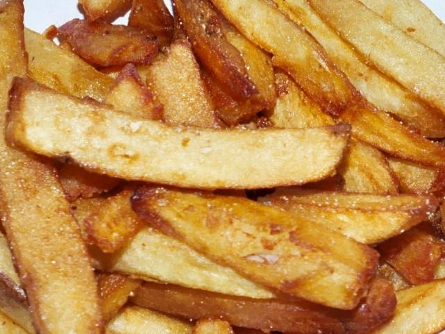 LC's cuts its own potatoes for fries.