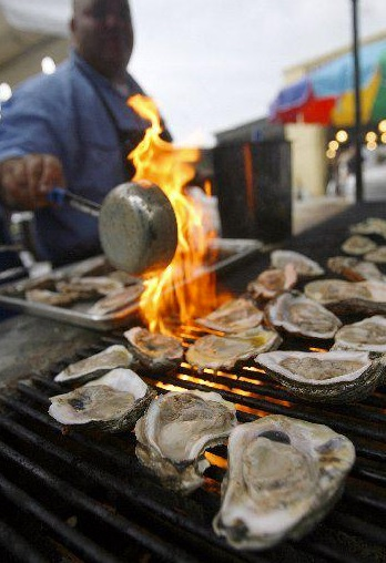 Grilled local oysters!
