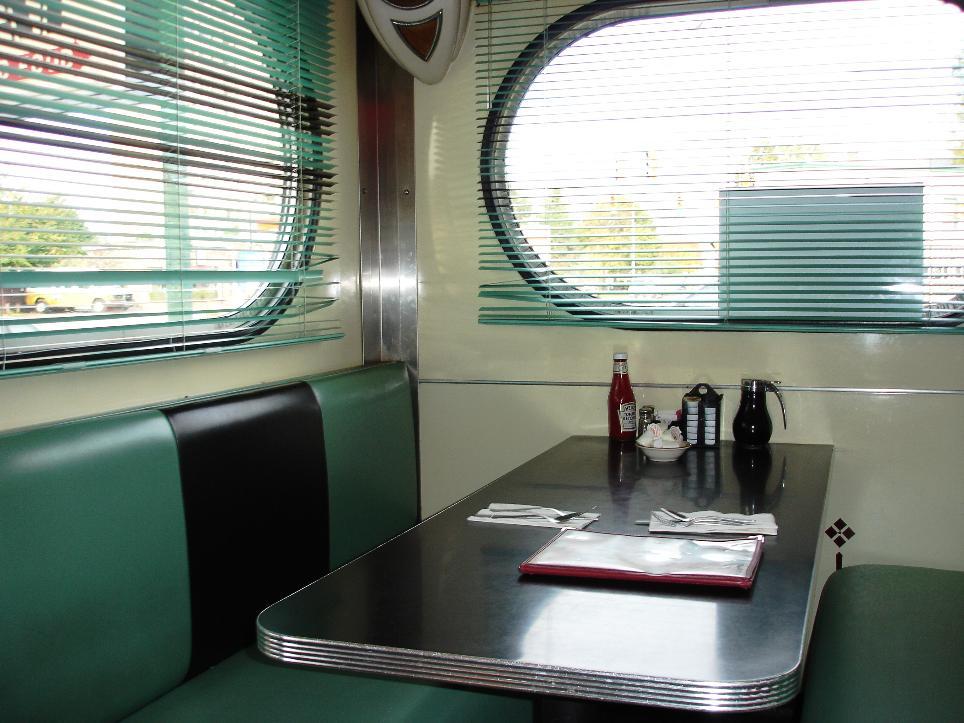 The Highland Park Diner is a 1940s gem. Note the teardrop speaker in the corner.
