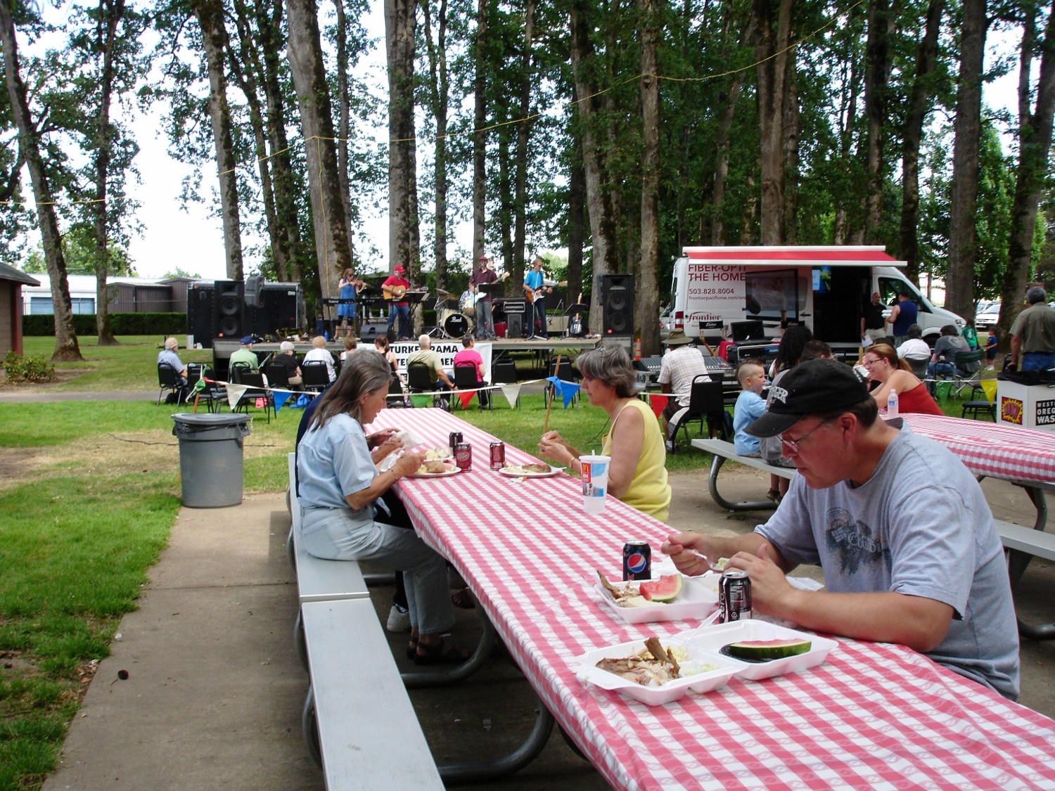 Picnic Tables, Turkey Rama, McMinnville, OR