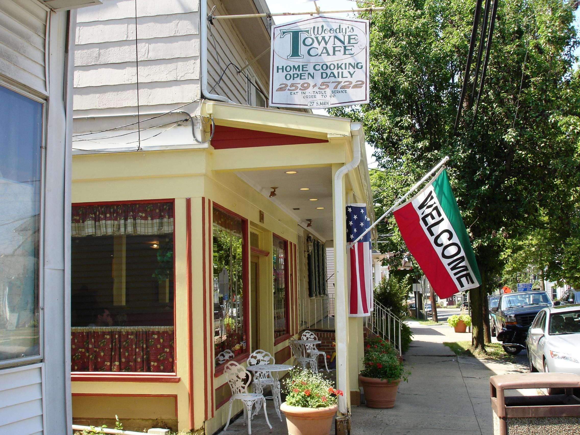 On the main street in picturesque Allentown, Woody's is a town cafe extraordinaire.