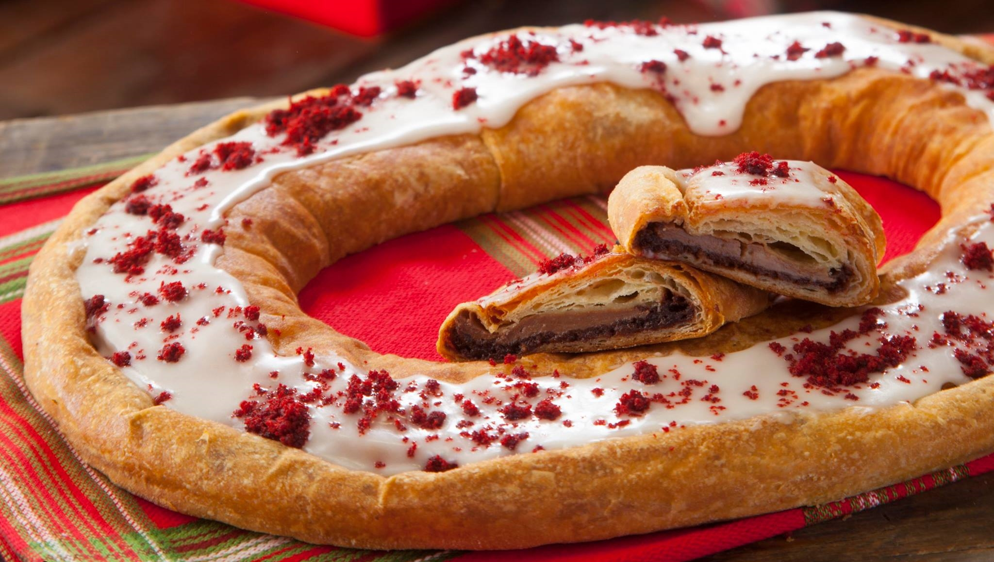 ... Annual Center-Stage Moment: Kringle in December – Left at the Fork